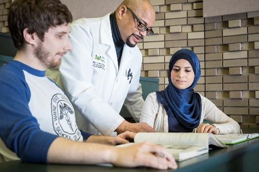 Med-Peds milestone sparks philanthropic investment for alumnus turned program director