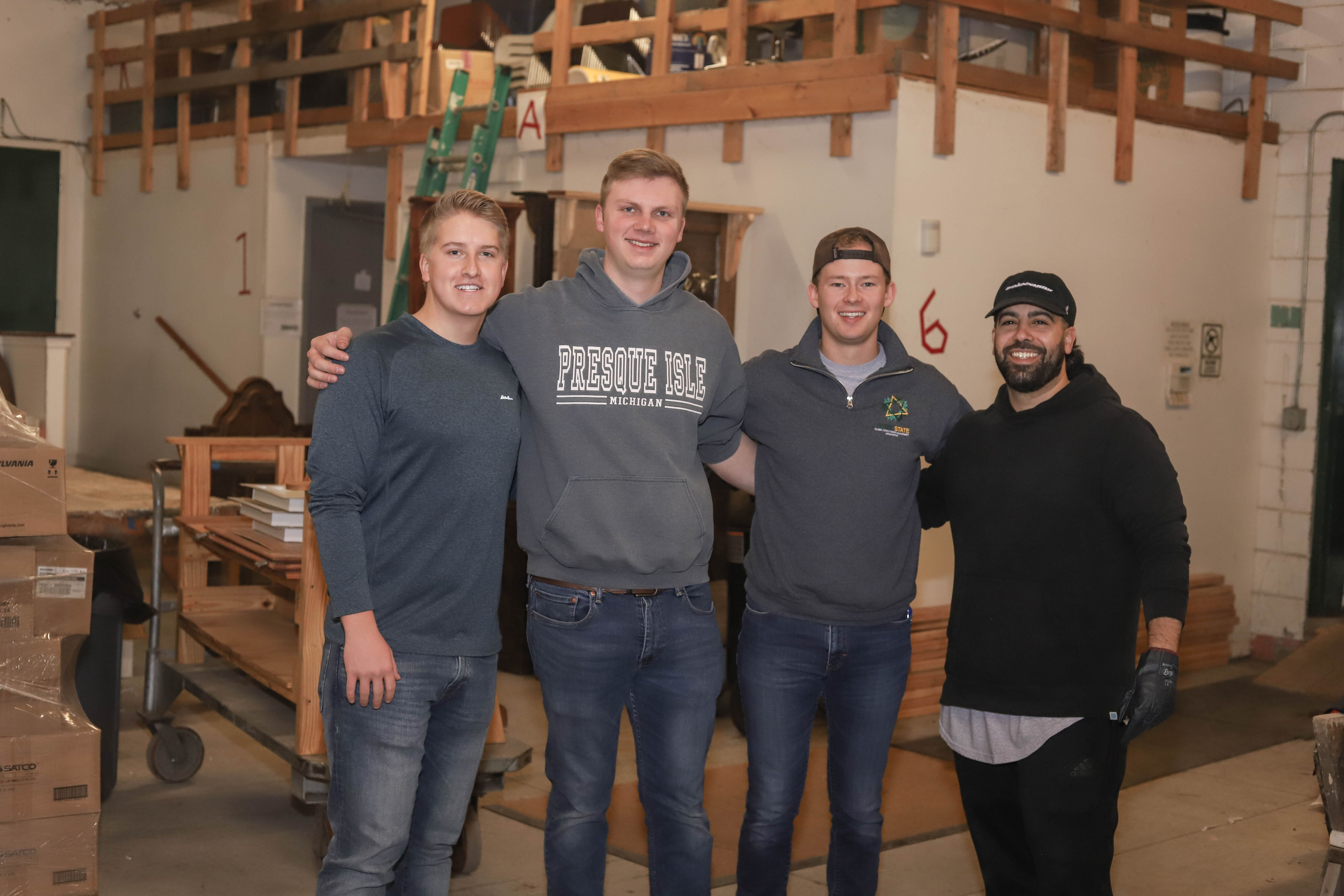 Students aid Detroit Habitat for Humanity