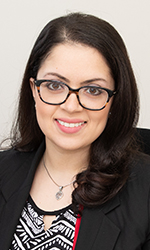Firsthand experience helps alumna aid immigrants