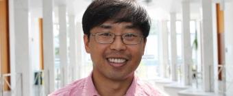 Assistant Professor Jun Hung receives two Wayne State awards